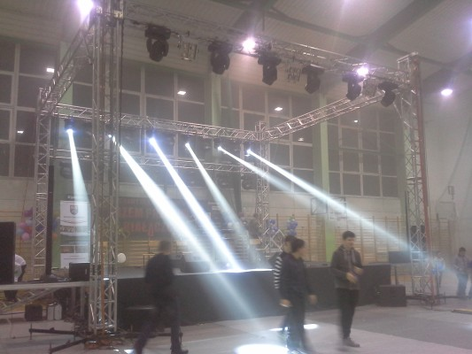 Oświetlenie sceniczne